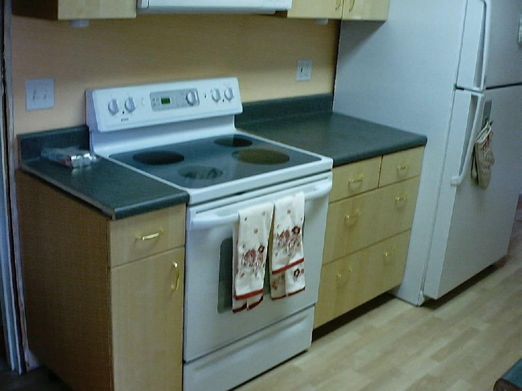 Kitchenaid Stove: Modern Kitchen Stove
